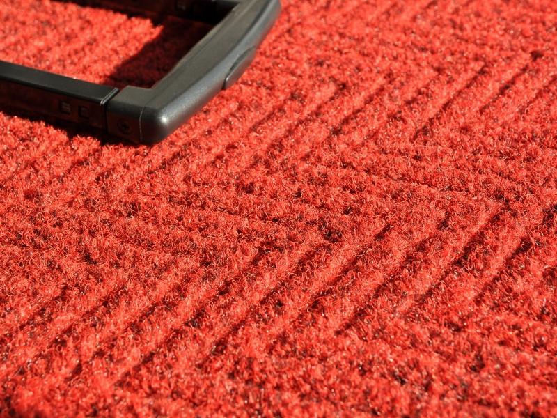 zerbino rosso con motivo a onda